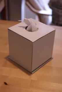 トイレットペーパーケース