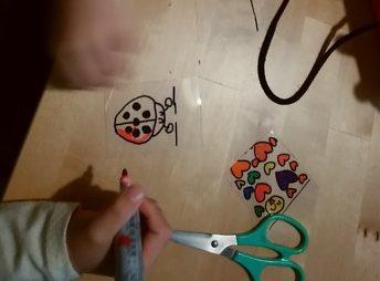 手作りミニ投影機[牛乳パック工作]