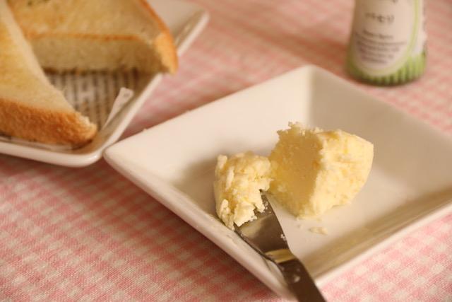 生クリームから手作りバターの作り方と原理失敗しないためのコツ簡単
